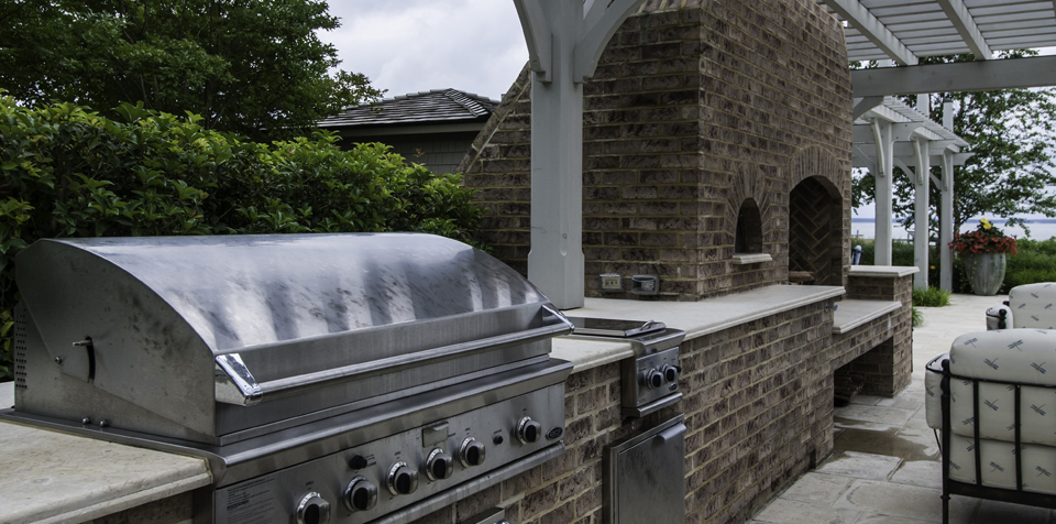 Grow Entertaining Space & Home Value with a Custom Outdoor Kitchen