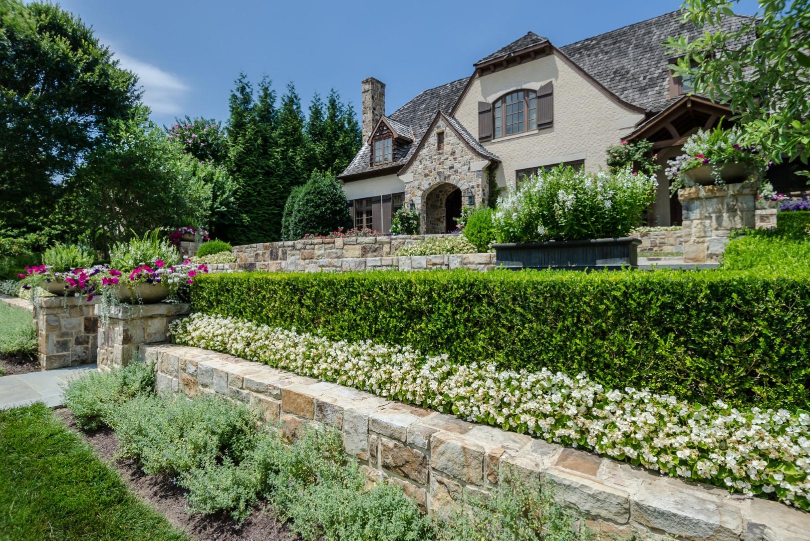 Spring Hill Residence